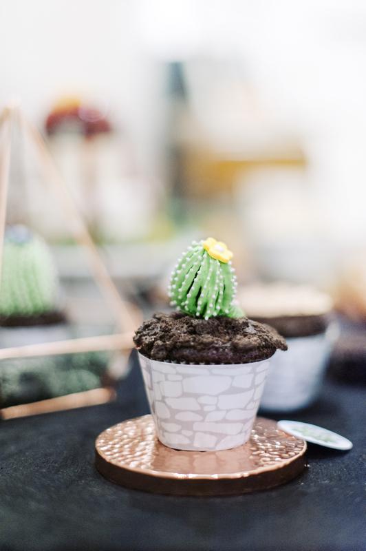 Cupcake mit dressiertem Kaktus