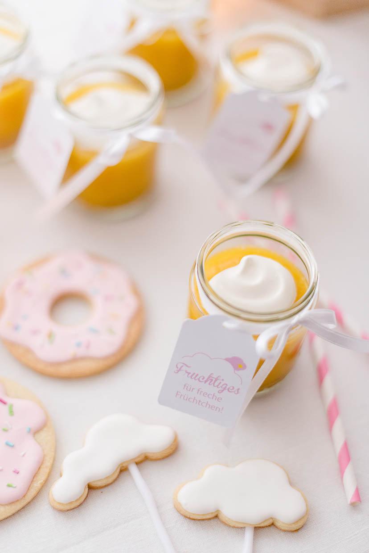 Dessertcreme und Kekse